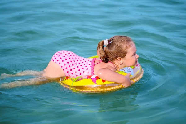 Coronavirus e lago: fare il bagno è sicuro?