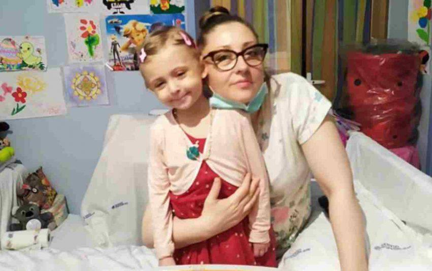 Sabina Ursuleac, la mamma di Elisa Pardini, la bimba di cinque anni deceduta in aprile dopo una lunga lotta contro un'aggressiva forma di leucemia. Fonte immagine Facebook