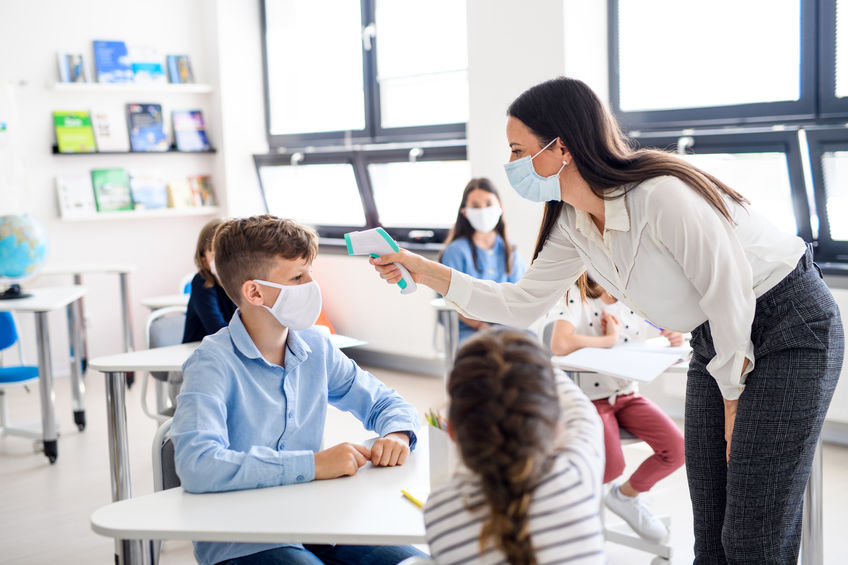 10 rischi nel riaprire la scuola