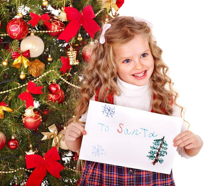 Scrivere la letterina a Babbo Natale.