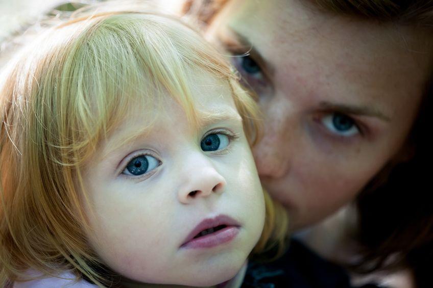 Una mamma chioccia si riconosce per chiari e inequivocabili sintomi.
