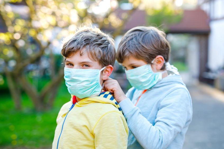 Come modificare le mascherine per bambini.