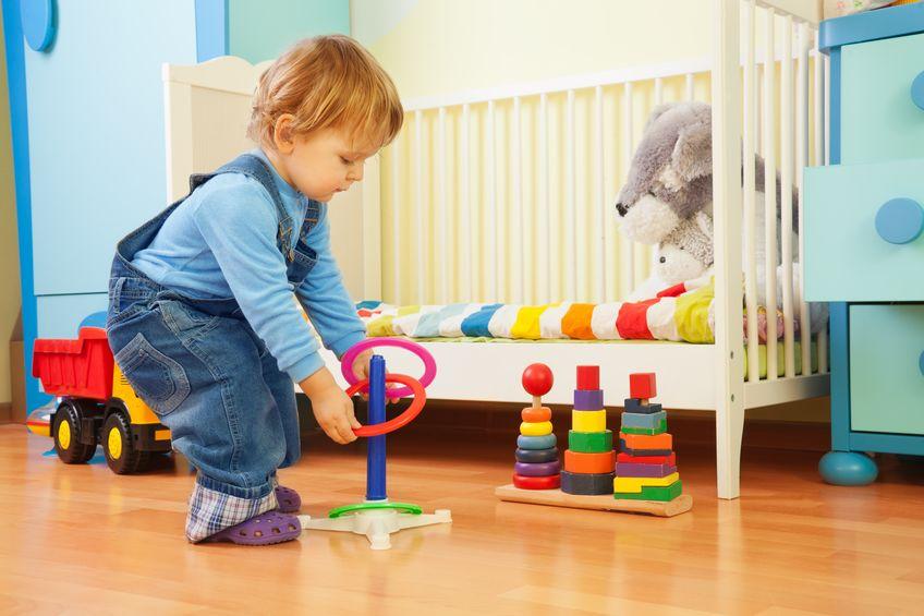 Troppi giocattoli non servono, secondo gli esperti ne bastano 4
