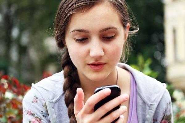 Chastity Patterson invia sms al padre morto, riceve risposta