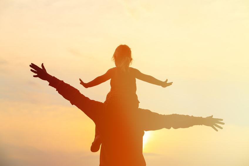 Rapporto papà e figlia femmina: voce del verbo educare all'amore