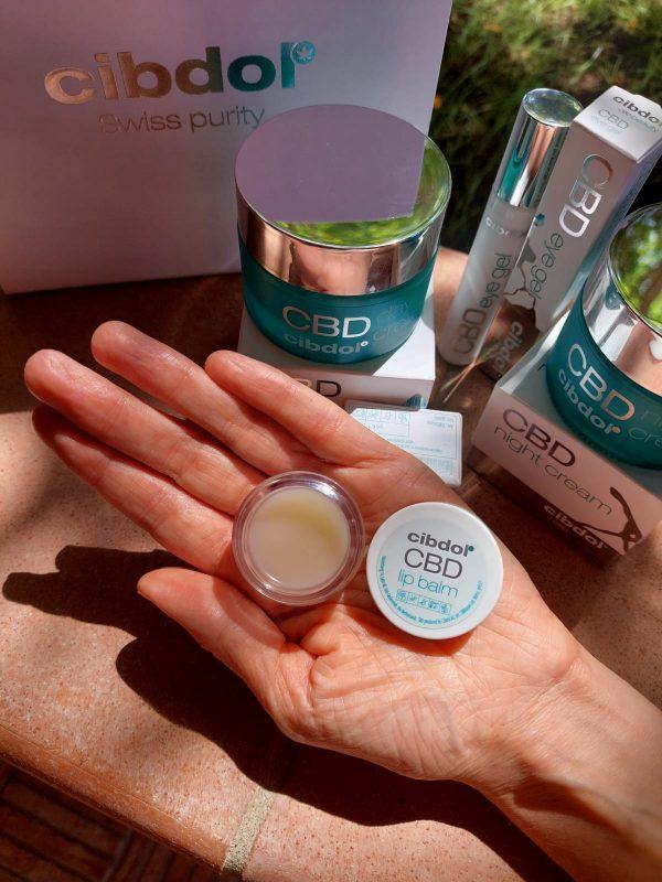 Beauty Pack di Cosmetici Naturali con CBD di Cibdol lip balm.