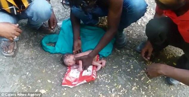 Neonata abbandonata tra i rifiuti: si cercano i genitori